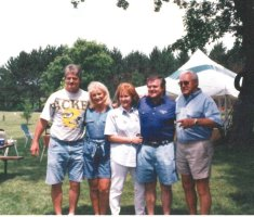 Uncle Steve, Aunt Sandee, Auntie Karen, Uncle Jack & Pa. Uncle Gunn missing from the photo