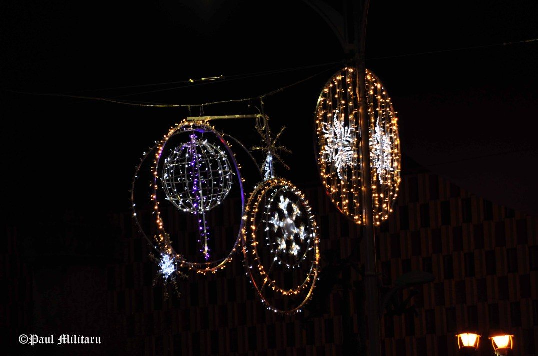 christmas-street-decorations